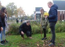Leerlingen Nordwin geven kleur aan kerktuin